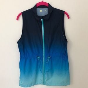 Xersion lightweight sleeveless jacket or vest